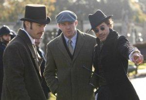 На Warner Bros. собрали для «Шерлока Холмса 3» целую «сценарную комнату»