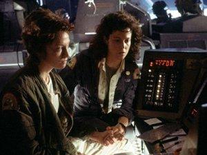 В приквелах «Чужого» может появиться омоложенная копия Сигурни Уивер