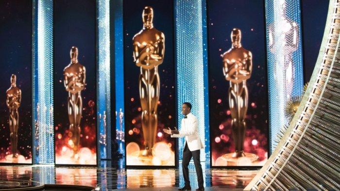 Крис Рок на сцене церемонии вручения премии «Оскар 2016»