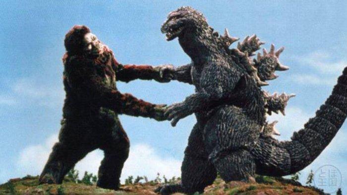 Режиссер «Ведьмы из Блэр» настроит Годзиллу против Кинг Конга.