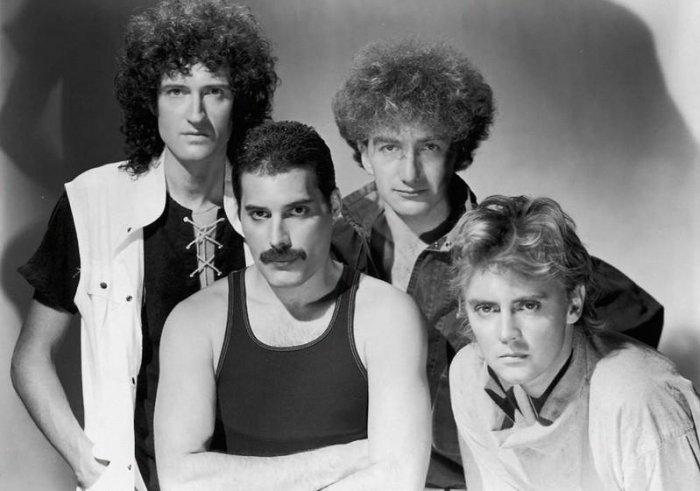 Брайан Сингер собрал группу Queen