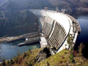 Сергей Сельянов и Алексей Петрухин запускают проект про аварию на Саяно-Шушенской ГЭС