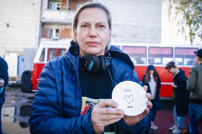 Режиссер клипов группы «Ленинград» Анна Пармас приступила к съемкам полнометражного дебюта «Просто светят звезды»