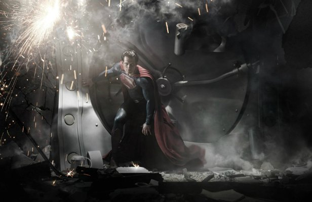 Киновселенная DC готовит «Человека из стали 2»