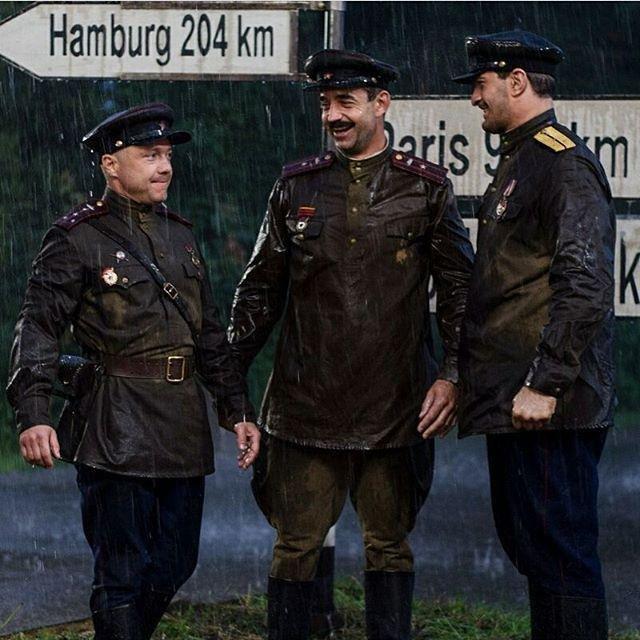 Дмитрий Певцов, Федор Добронравов и Сергей Маковецкий стали танкистами