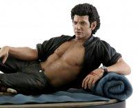 Появилась в продаже статуя Джеффа Голдблюма из «Парка Юрского периода» в соблазнительной позе
