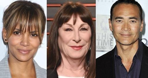 Анжелика Хьюстон, Холли Берри и Марк Дакаскос сыграют в «Джоне Уике 3»