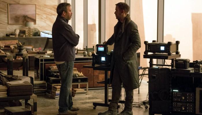 Дени Вильнев и Райан Гослинг на съемках «Бегущего по лезвию 2049»