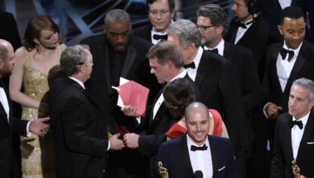 Казус с конвертами на «Оскаре»: что это было?