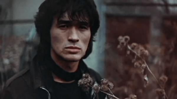 В день памяти Виктора Цоя в кинотеатры вернется «Игла»