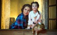 7-летняя Саша Политик и Екатерина Гусева снимаются в «Домовом»