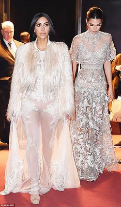 Ким Кардашьян и ее сестра