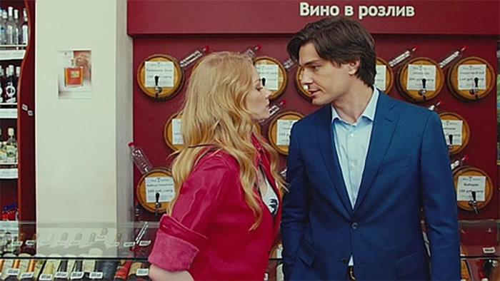 Светлана Ходченкова и Максим Матвеев в фильме «Любит не любит»